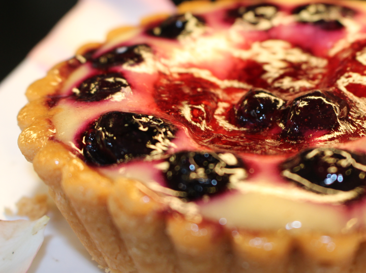 Berry Cheese Tart Dessert